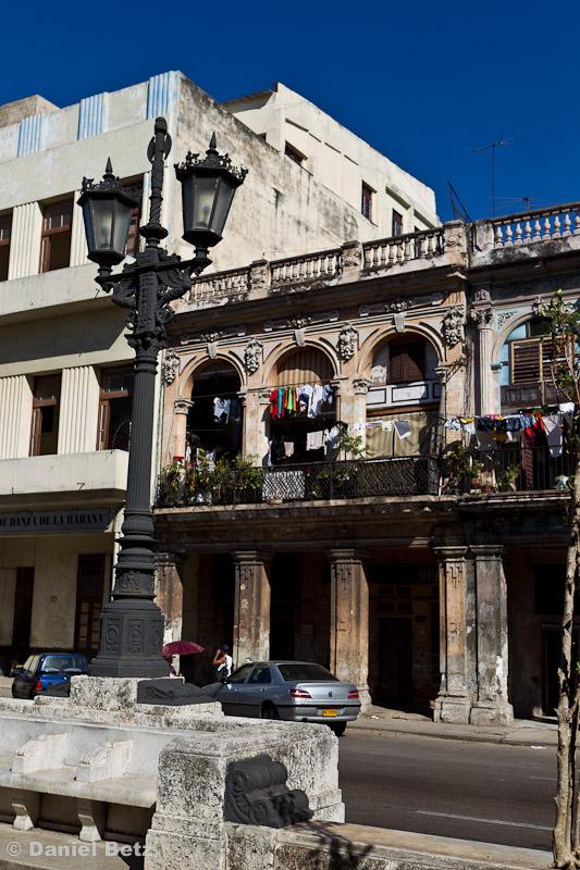 Um mehr Platz für die Familie zu haben, mussten die Kubaner Zwischendecken in die hohen Räume einziehen