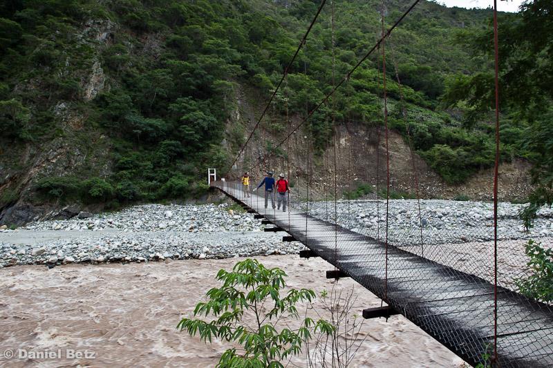 und Hängebrücken